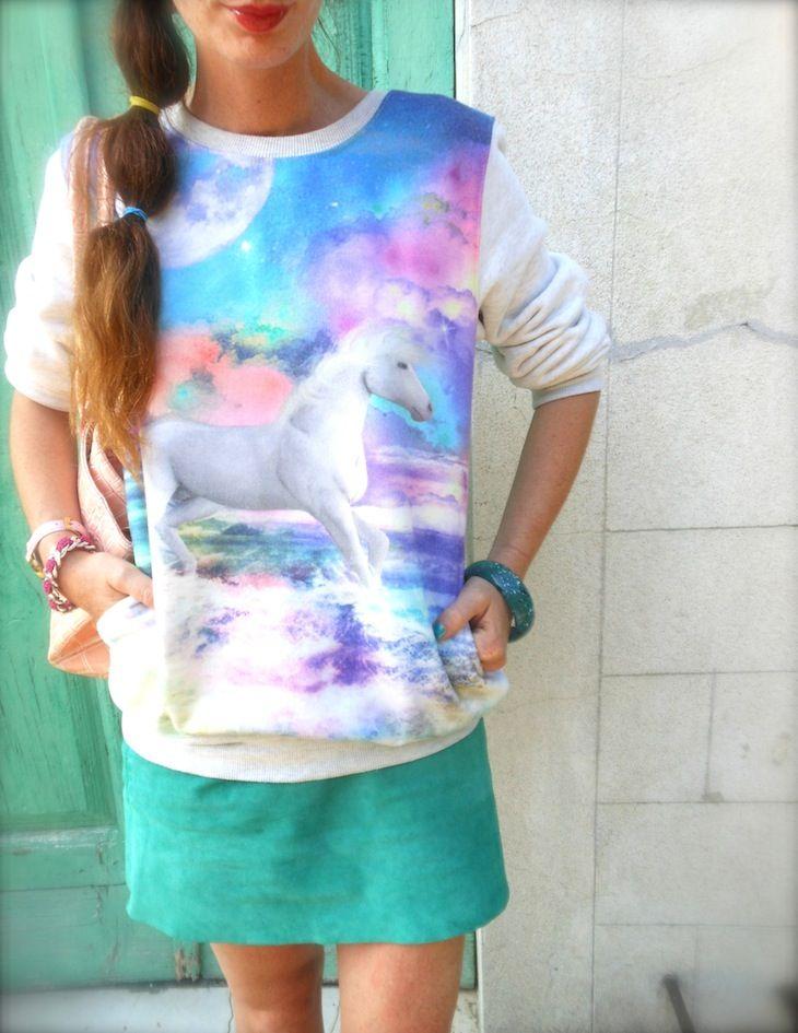 #girl #italiangirl #fashionblog #summertrend #unicorn #unicorndiaries #unicornfashion #fashion #style #ideaoutfit #felpa #galaxy #minigonna #verde, #borsa rosapastello,#abbinamentiverde, #amandamarzolini #thefashionamyblog #fashionblogger, #green #miniskirt #fairytalejewels #bijoiux #galaxyprint