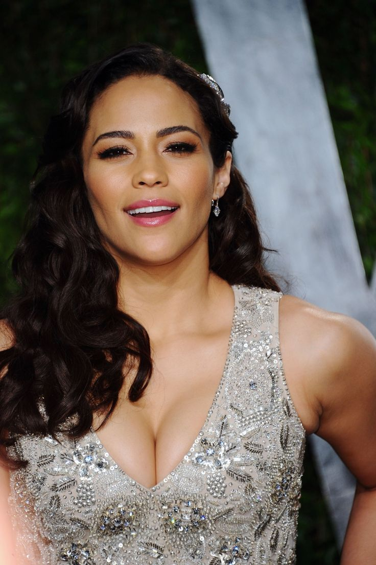 paula patton wearing her hair in glamorous waves