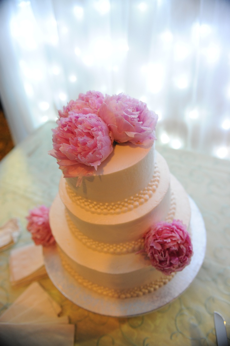 white almond wedding cake with raspberry filling 9 best wedding advice images on 27194