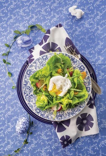 Sałatka z nowalijek z jajkiem w koszulce. Gotują dla nas: Katarzyna Wasilewska, właścicielka restauracji Dom Polski, i Krzysztof Żołądek – szef kuchni: http://www.weranda.pl/styl-zycia/salatka-z-nowalijek-z-jajem-w-koszulce #jajka #wielkanoc #przepisy #wielkanocne #potrawy #jajkowkoszulce #sałatka #nowalijki #danie #obiad #śniadanie #święta #2017 #oryginalne #food #easter