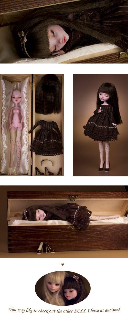 Muñeca en tumba muerta comenta y pon ❤️