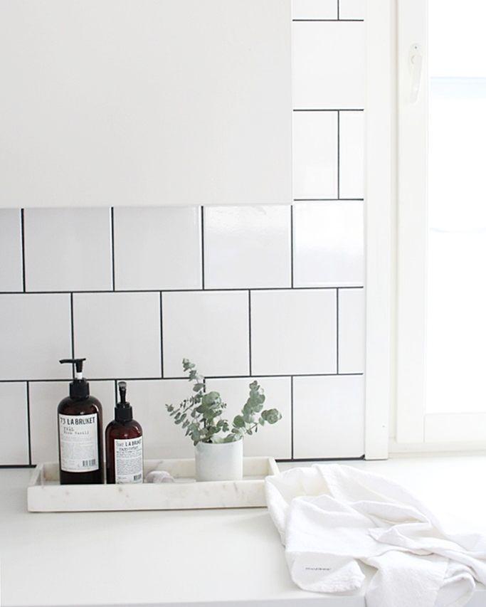 Via Lea Bo   Black and White Bathroom   Scandinavian