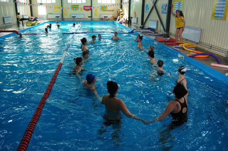 Тренировка по аквааэробике в Safari Фото: Страница фитнес-клуба Сафари в vk.com