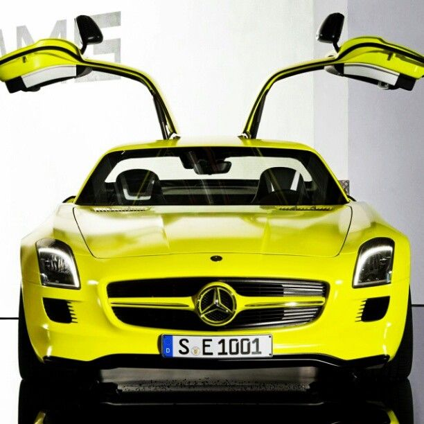 What do you think of this yellow Mercedes Benz SLS!? www.unknownrunway.com @Unknown_Runway