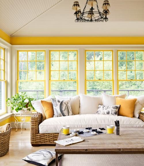 Yellow and White Living Room Decor | HAMPTONS STYLE