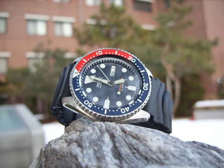 Seiko SKX009K1 Automatic Dive Watch #automaticdivewatches #watches #diving #dive #sportswatches #outdoorwatches #outdoors #sea #automaticmovement #automatic