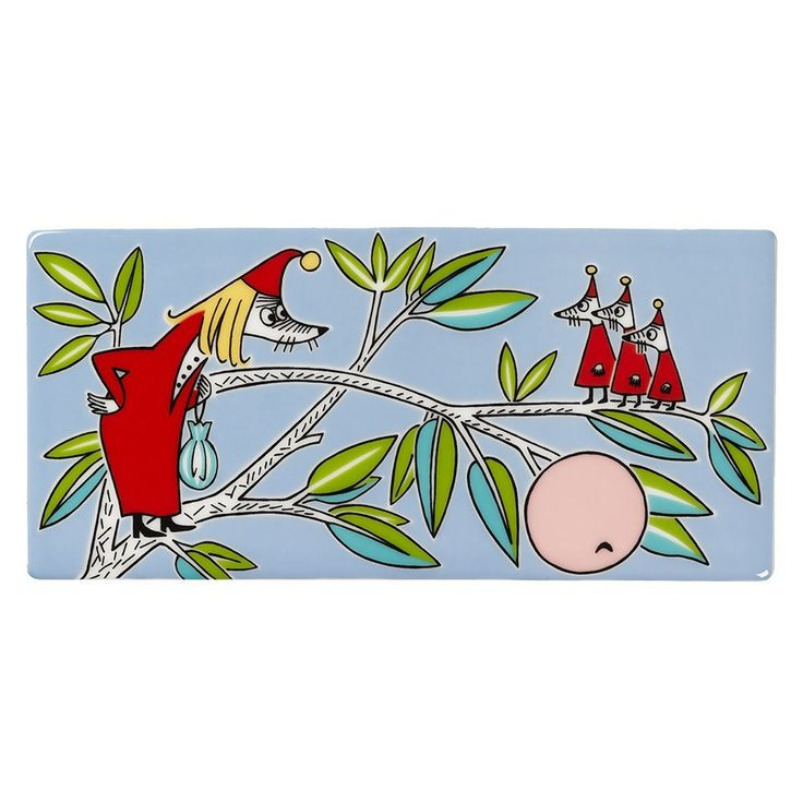 Grow your own Moomin Deco Tree! Fillyjonk wall tile is part of a collection that will include 13 wall tiles. Size: 8,9 x 18,9 cm. Available until 30.6.2017.Muumi-keramiikkalaatta Vilijonkka on osa 13-osaista kokelmaa, jota myydään vain rajoitetun ajan. Koko: 8,9 x 18,9 cm. Vilijonkka -laatta on tuotannossa 30.6.2017 saakka.Mumin keramikplatta Filifjonkan är en del av en 13-delars kollektion som säljs endast under en begränsad tid. Storlek: 8,9 x 18,9 cm.