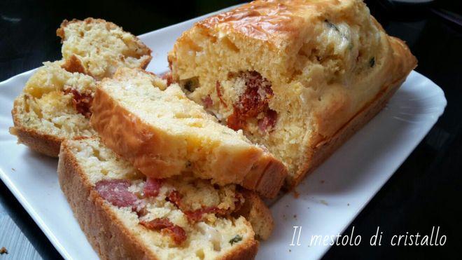 #plumcake #salato con #salame #caprino e #pomodorisecchi