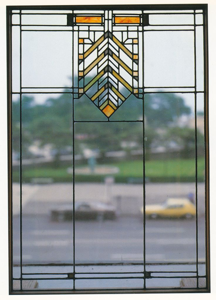 13 best stained glass images on pinterest stained glass for Frank lloyd wright craftsman style