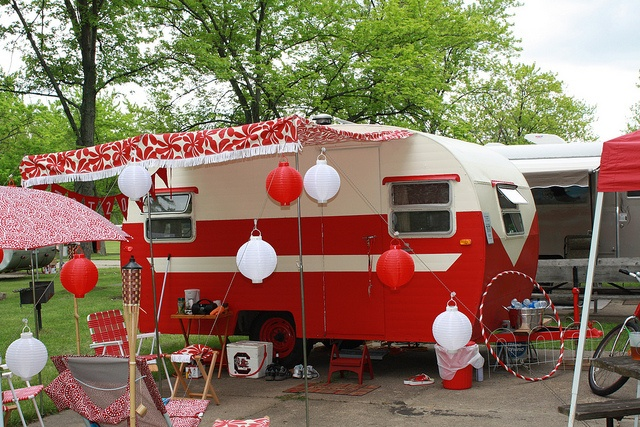 trailer party: Vintage Trailers, Trailers Parties, Campers Ideas, Campers Vintage,  Fire Trucks, Tailgating Parties, Vintage Glamper, Vintage Campers, Parties Fun