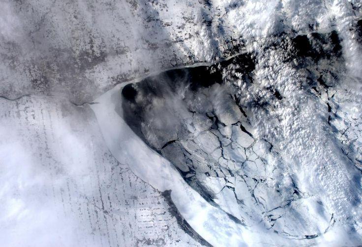 Southern tip of Lake Huron in North America. #FrozenWorld / Il Lago Huron in nord America. #HelloEarth