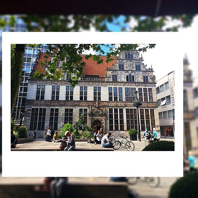 Gleich rechts von der Handelskammer Bremen findest Du instax im citylab!