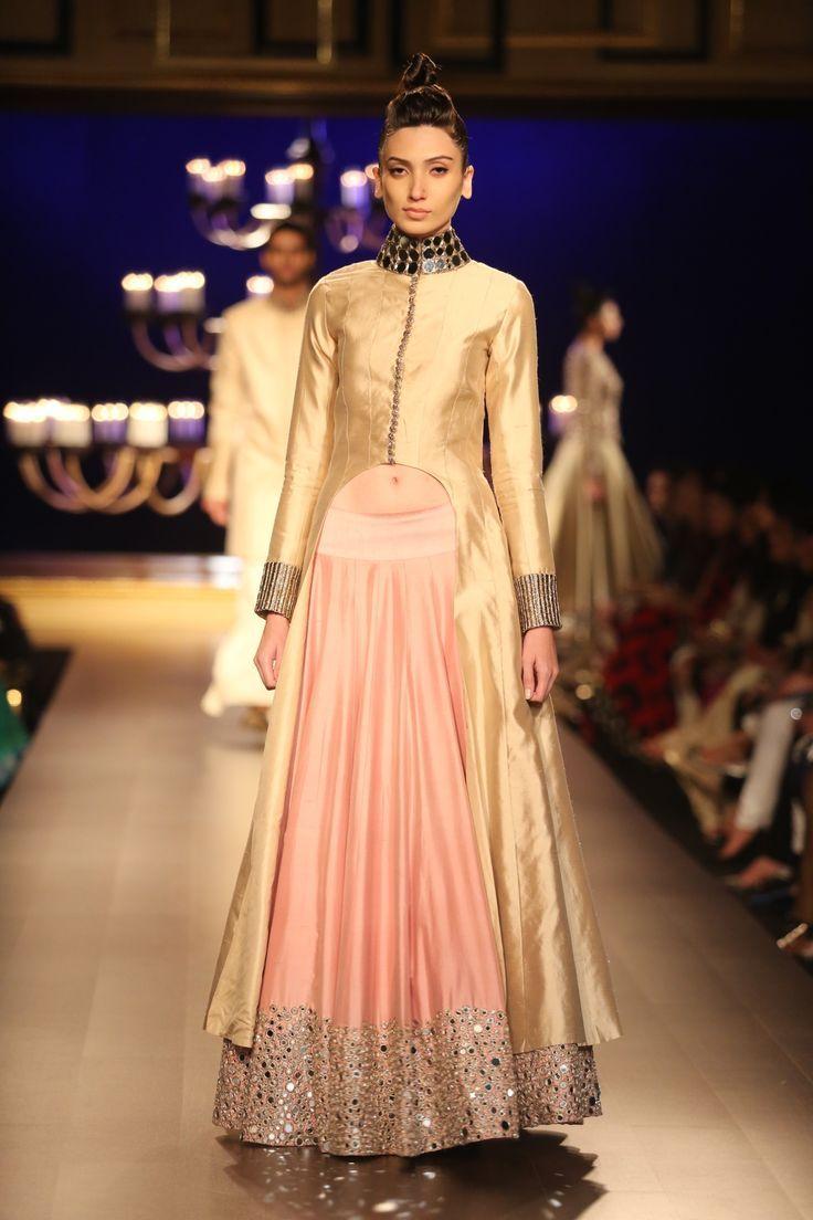 Manish Malhotra - India Couture Week 2014