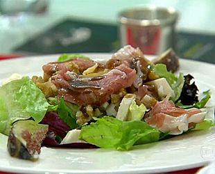 Salada de Figos com Presunto Parma e Queijo de Cabra | Portuguesa | Mais Você - Receitas Gshow