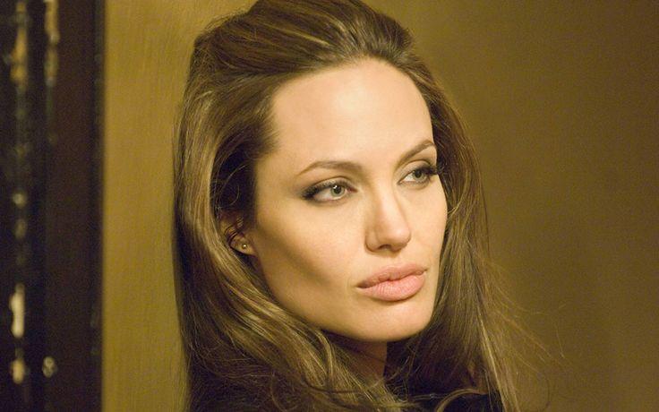 Angelina Jolie, che disdetta!