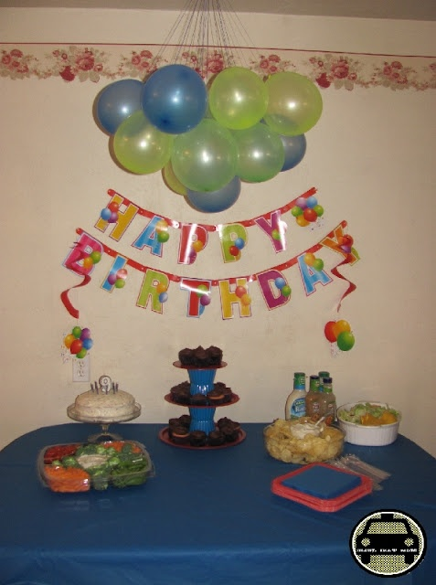 Easy balloon decoration party display tables pinterest