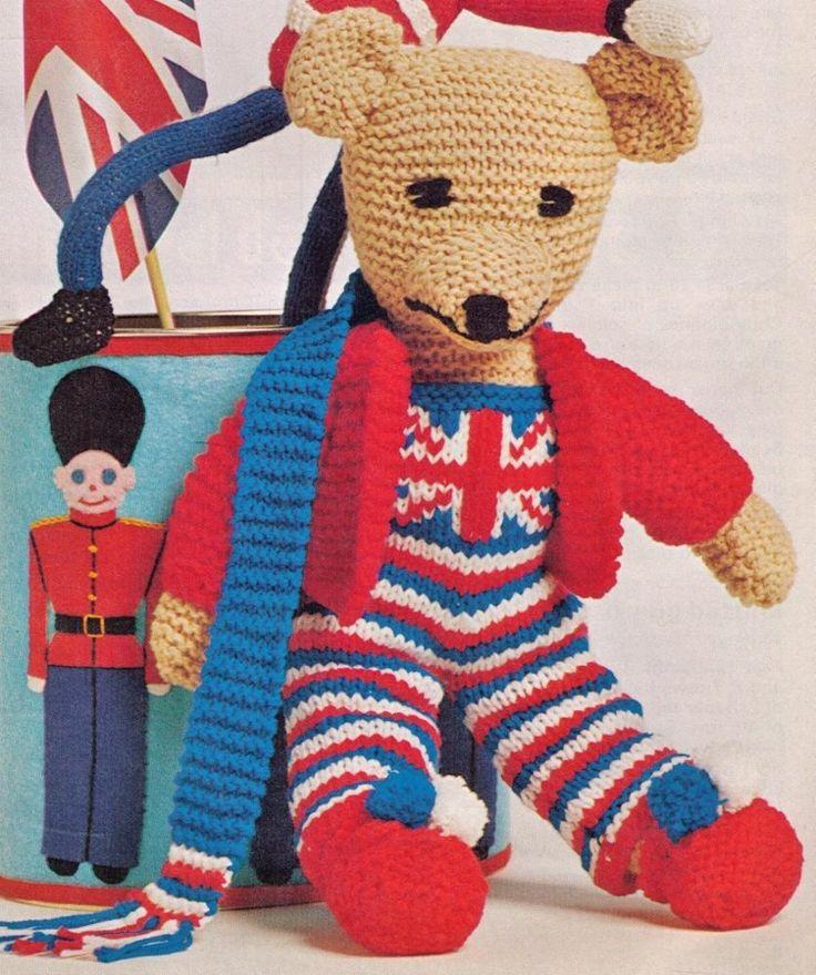 BRITISH MASCOT JUBILEE JACK TEDDY BEAR & CLOTHES 41CM TALL 8PLY KNITTING PATTERN