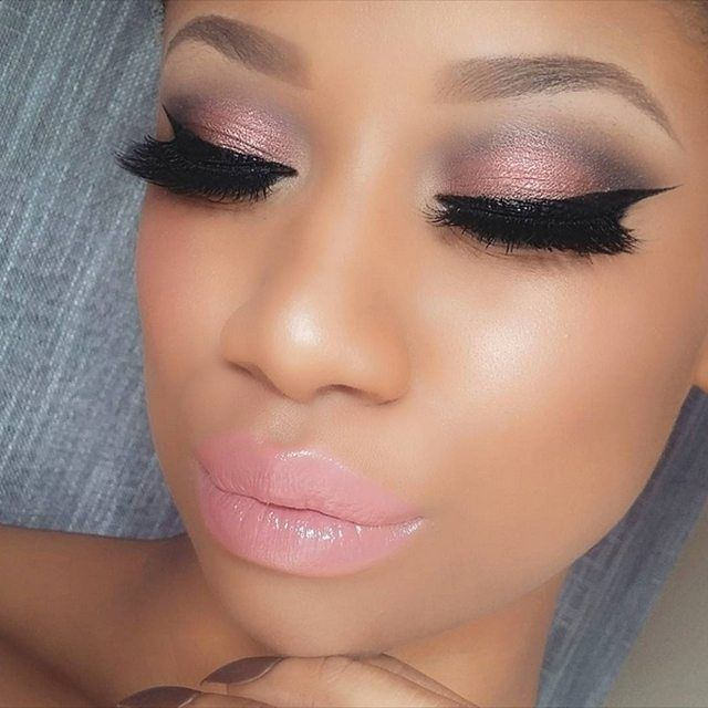 "@makeupbymekaxo use the Galaxy Chic Palette for this pink smokey look! She used shades ""Sun"" and ""Mars"" on her lid, ""Pluto"" for the outer/inner crease, and ""Sun"" for the inner corner ✨ #BHBeauty #EOTD #GalaxyChic"