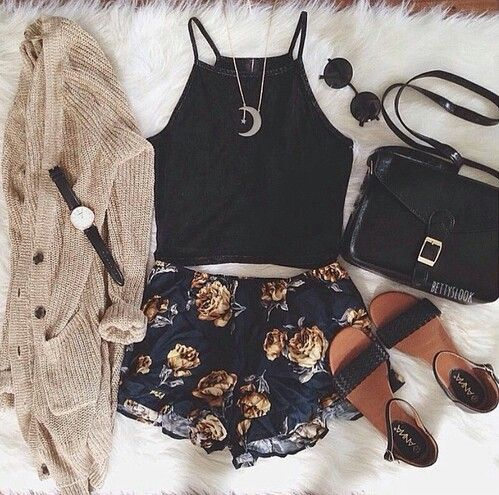Grunge outfit idea nº8: Floppy cardigan, floral shorts, one strap sandals, black handbag, round shades, brown watch, crescent necklace