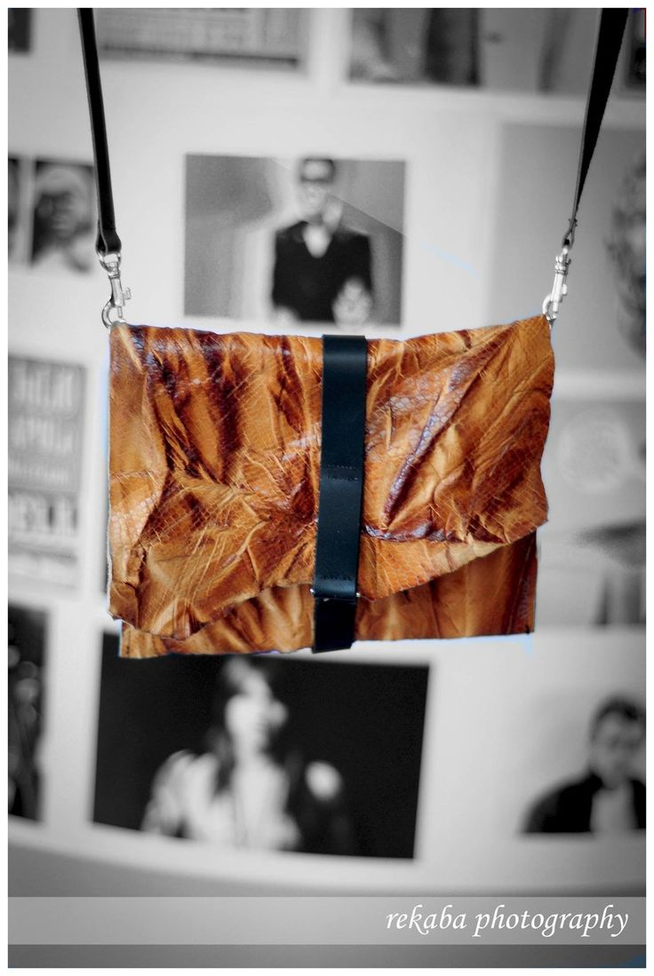 Leather crossbody bagy from ihaybyannamihalyffy #leatherbag #crossbody #ihaybyannamihalyffy
