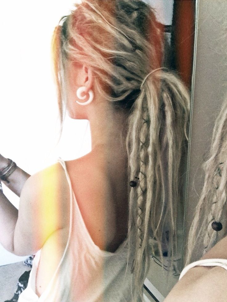 I literally want to look EXACTLY like her one day! dread locks