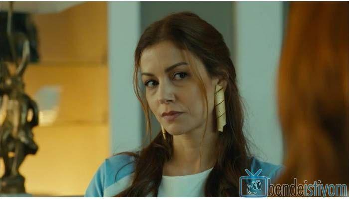 Star TV yayınlanan Medcezir dizisinde  Sedef Kaya karakterini canlandıran Defne Kayalar'ın 24. bölümünde giydiği üçlü burgu küpesi http://bdi.im/2e