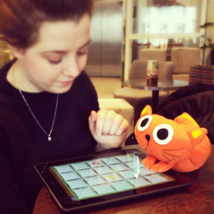 Asia from KiooiK team and Kitty, playing #Memollow during coffee break