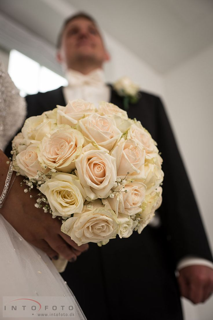 #Bryllup #Wedding #Bryllupsfotograf #Intofoto #Bryllupsfoto #Bryllupsfotografering #Hillerød #Nordsjælland #Vielse #Brudebuket