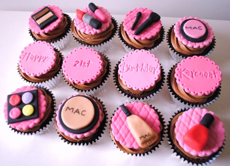 MAC CUPCAKES | Miss Cupcakes» Blog Archive » MAC make up themed birthday boxset(12)
