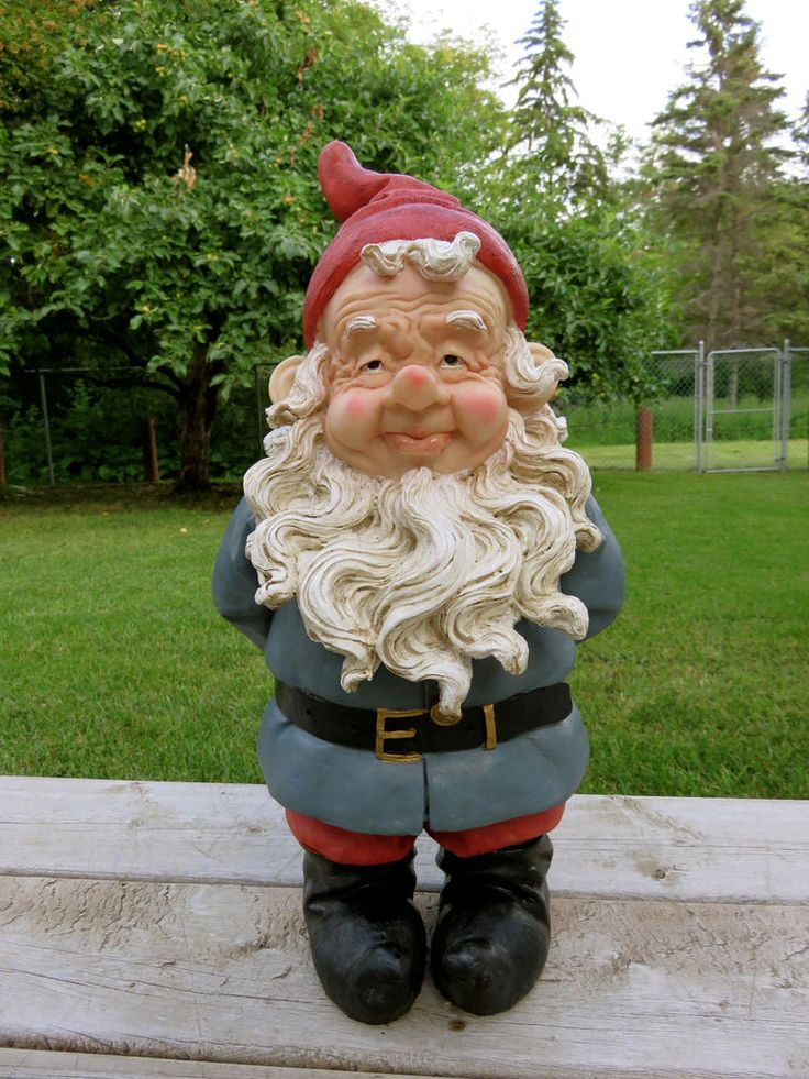 Nome Garden: 18 IN.GNOME HANDS BEHIND BACK NOME KNOME Travel Fellow Red