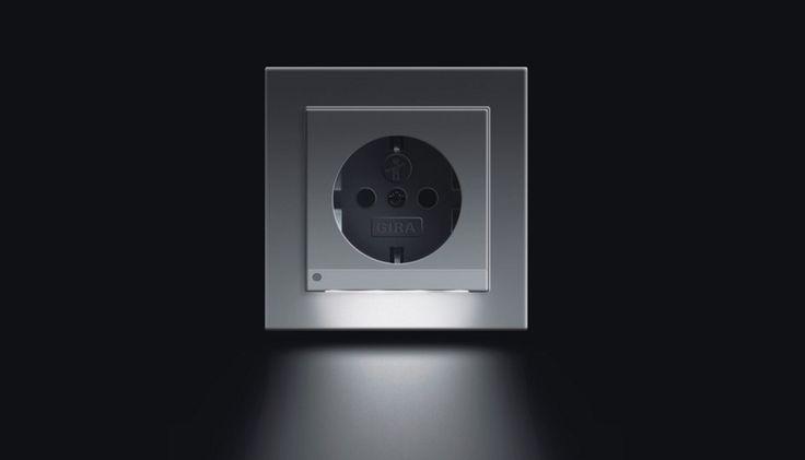 Wandcontactdoos met LED-verlichting https://www.thuiscomfort.nl ...