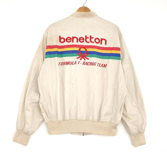 • Tag Benetton • Size Medium • Ships Worldwide  Measurement : Armpit to armpit: 23.5 inches Lenght from top of the shoulder to bottom: 26 inches Condition : 9/10 In a good vintage condition,no stain, hole, tear etc. *refer picture for more detail  PLEASE ASK ANY QUESTION BEFORE