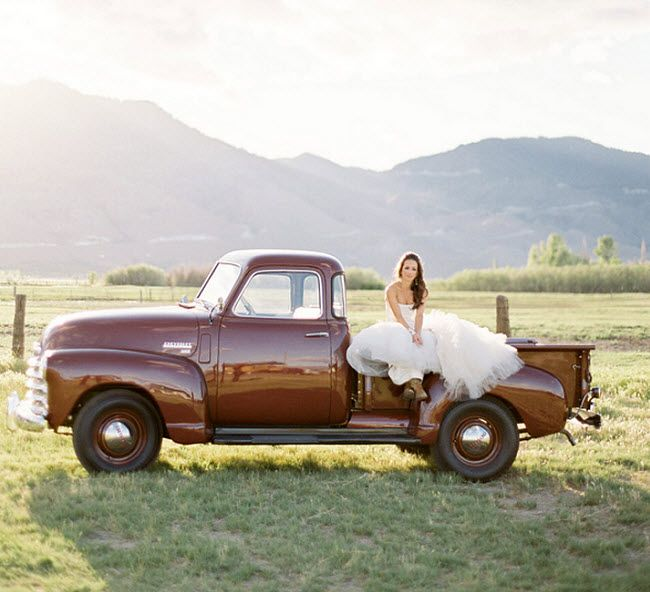 love old trucks for rustic brides