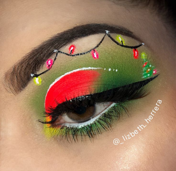Christmas makeup 🎄❤️. Instagram @_lizbeth_herrera
