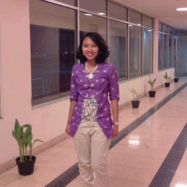 #kebaya from #jumputan for comfy #ootd. I think make some from #batik gonna be #cute I'm a #batikenthusiast