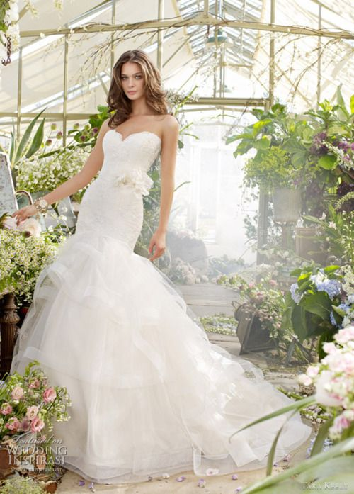 Laced in Weddings!! Love love love!