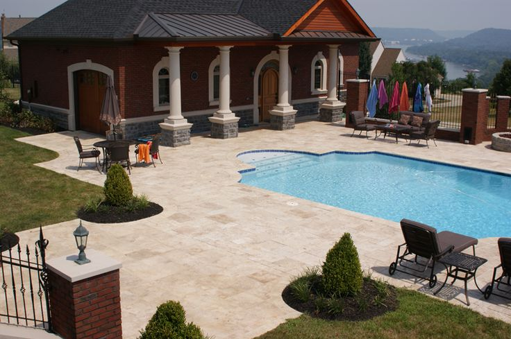 Ivory tumbled pavers travertine pavers hardscape pool for Pool design tampa