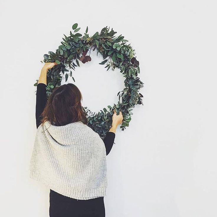 Simple  thistimeofyear monkind blackfriday shopsmall discount wreath diy