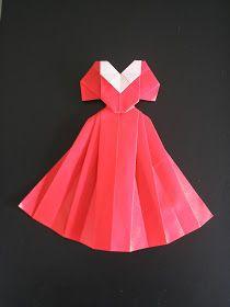 Vestidos de festa para celebrar a alegria e a vida! A cor:Vermelho. Criação de Mieko Seta.Papel japonês15 por 15...
