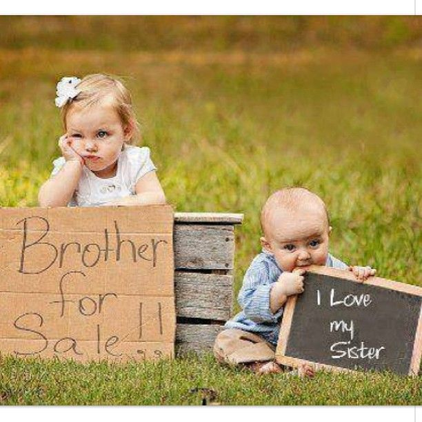 sibling photos...cutest thing ever
