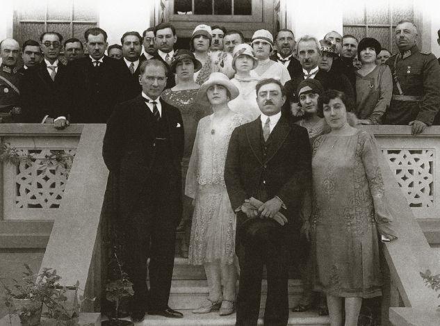 Mustafa Kemal Atatürk ve Afganistan Emiri Amanullah Han, Ankara (1928).