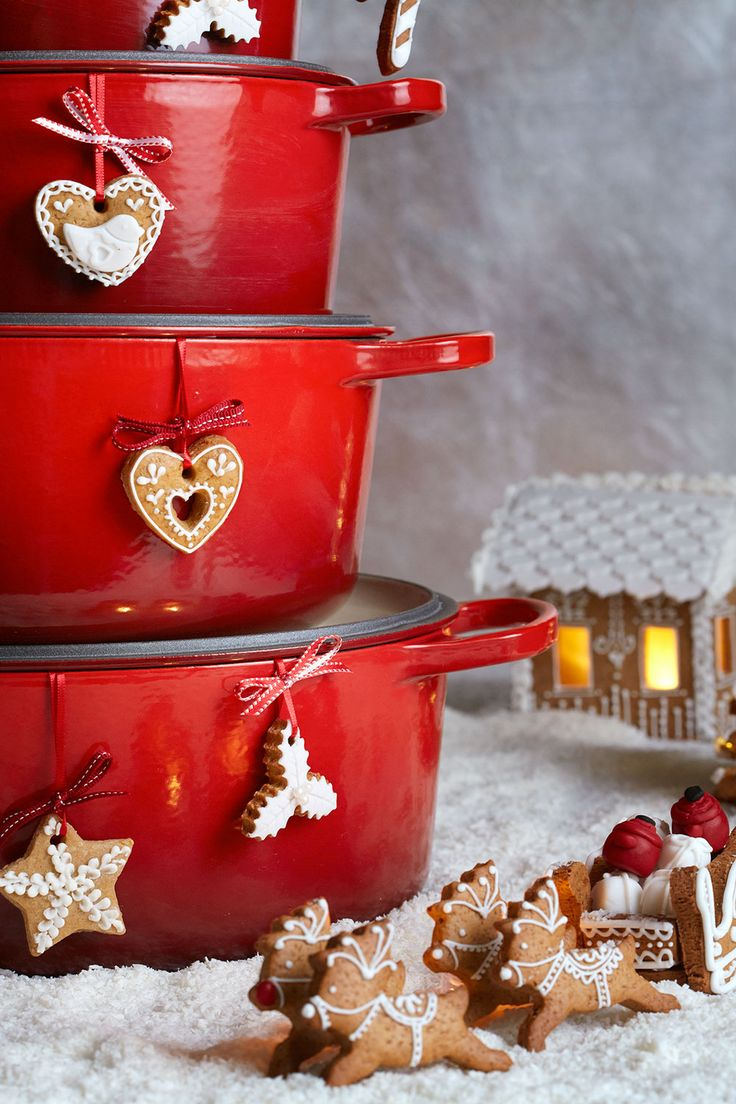 Make a Christmas wish come true with Le Creuset.  - #clemengold #gathering #lecreuset - www.lecreuset.co.za