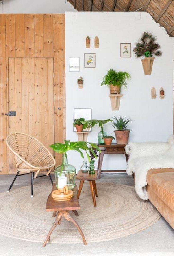 Botanical wooden seating | Styling Sabine Burkunk | Photographer Hans Mossel | vtwonen August 2015