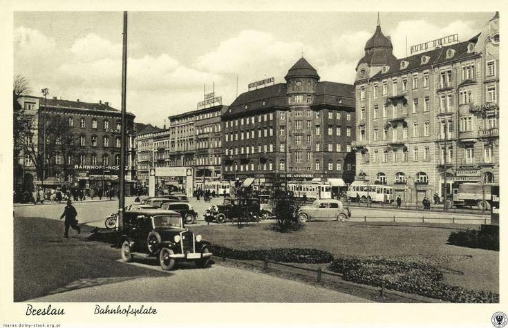 Plac przed Dworcem Głównym w czasach, kiedy miał swoją nazwę - Bahnhofsplatz. Rok 1937