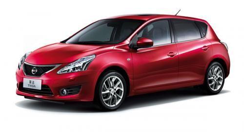 صور و مواصفات نيسان تيدا اس 2015 Nissan Tiida S