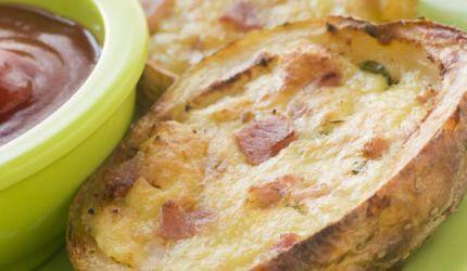 Pečené zemiaky plnené šunkou