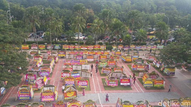 Banjir karangan bunga di Balai Kota Jakarta