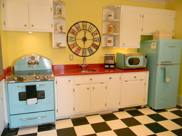 209 best images about retro vintage kitchens on pinterest for Retro kitchen ideas photos