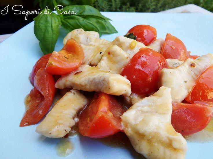 Bocconcini di pollo pomodorini e basilico