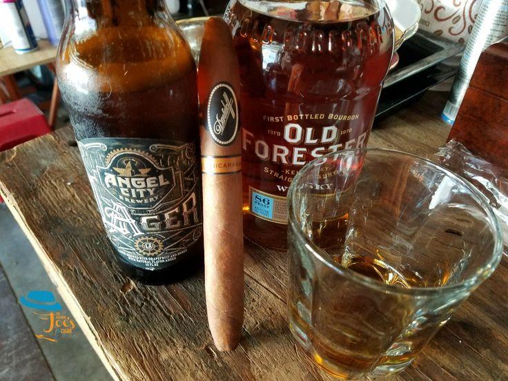 TGIF take time to enjoy Good Friends. #theaveragejoescigar #forthenewandcasualcigarsmoker #premiumcigars #whatstrending #whatshot #popular #whiskey #weekend #davidoff #davidoff @davidoffcigars